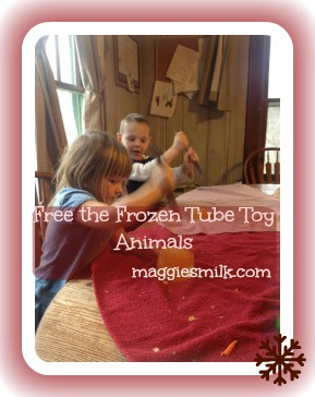 Free the Frozen Animal Tube Toys